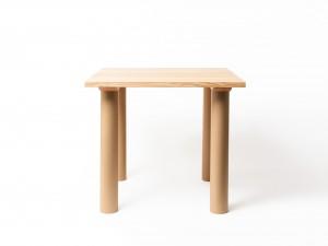 テーブル [建築家・坂 茂 × more trees]